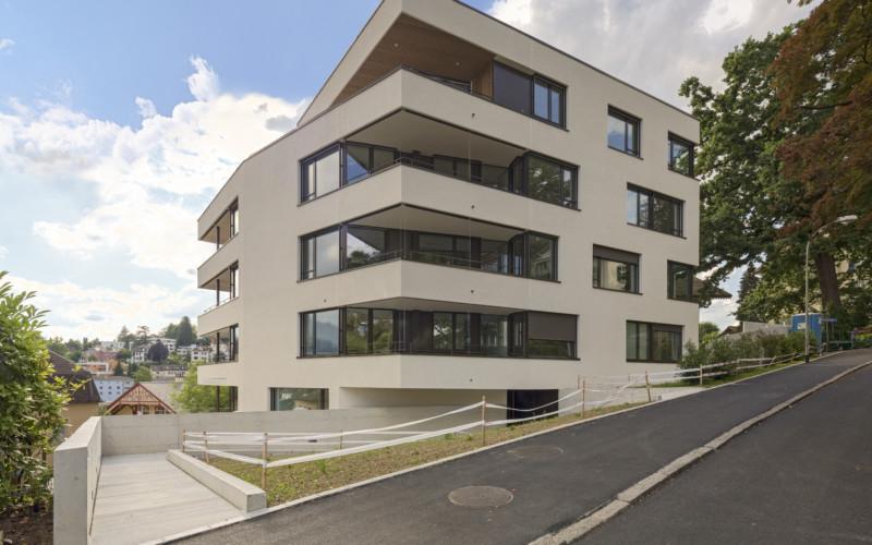 Mehrfamililenhaus am Kapuzinerweg in Luzern mit toller Aussicht auf die Stadt.