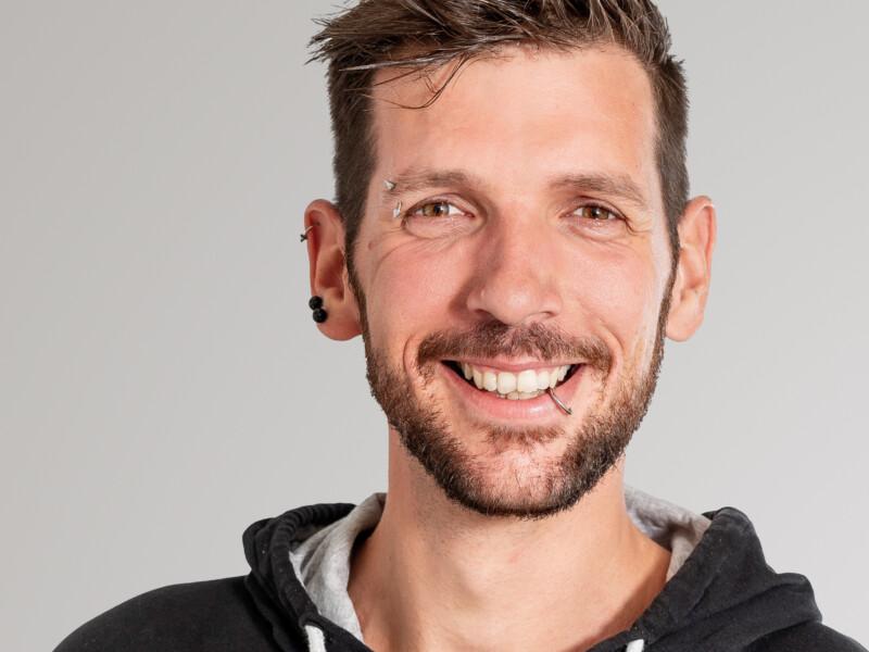 Manuel Abplanalp ist Hauswart der Eberli Hauswartungen GmbH.