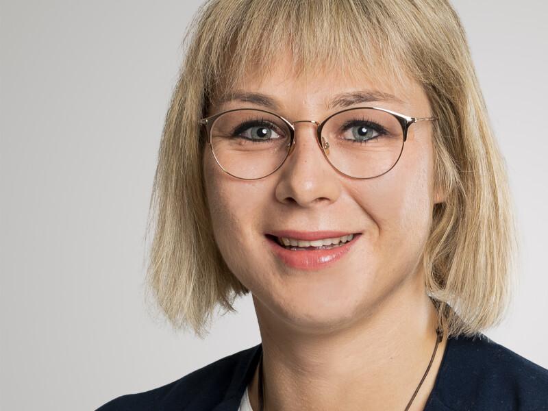 Manuela Bomonti ist Assistentin der Bereichsleitung Entwicklung/Ausführung.