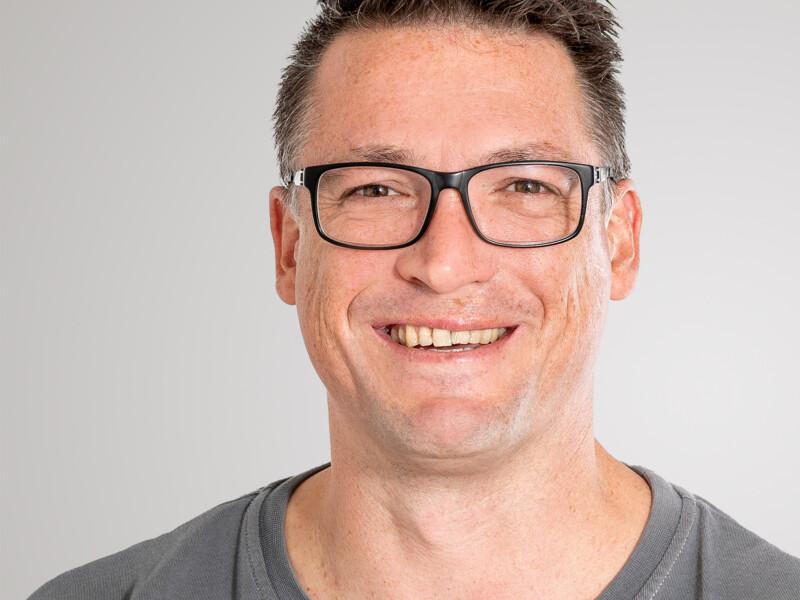 Reto Breitschmid ist Hauswart bei der Eberli Hauswartungen GmbH.