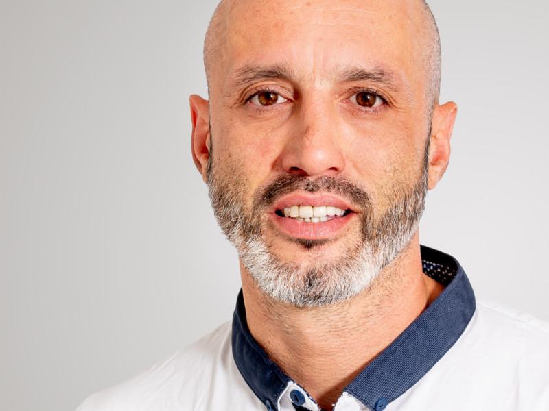 Adriano Farina ist Hauswart bei der Eberli Hauswartungen GmbH.
