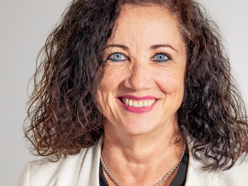 Ruth Marzer führt den Empfang der Eberli AG.