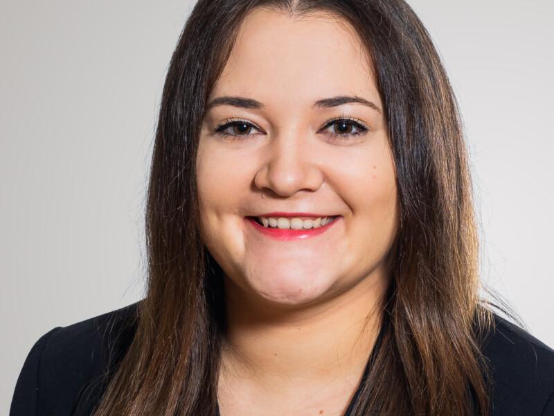 Laura Montepaone ist als Assistentin Vermarktung bei der Eberli AG.
